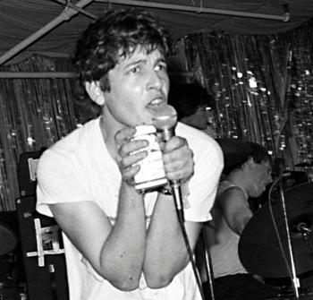 O jovem Keith Morris nos vocais do Black Flag