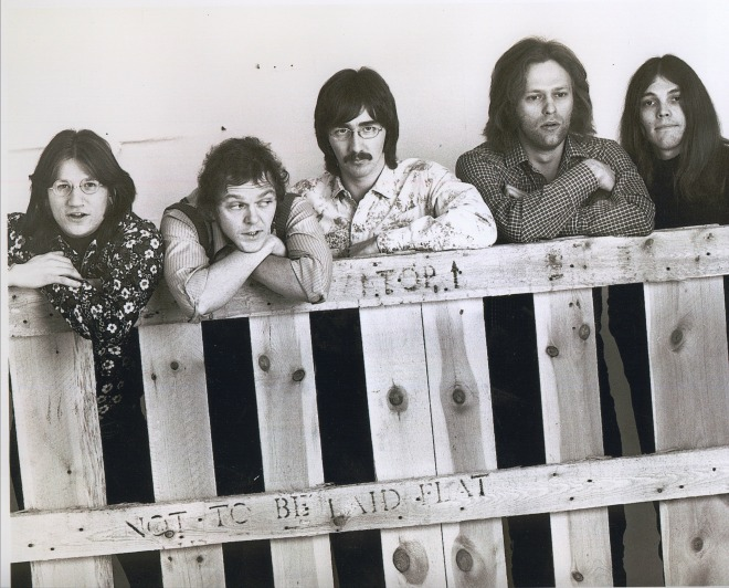 Richie Furay, Rusty Young, George Grantham, Paul Cotton e Timothy B. Schmit.