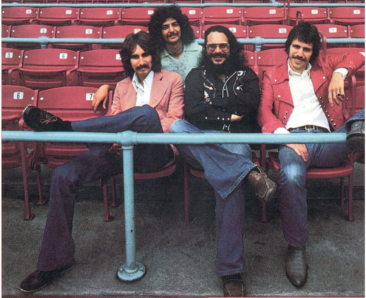 Bob Webb, Phil Giallombardo, Jim Fox e Dale Peters