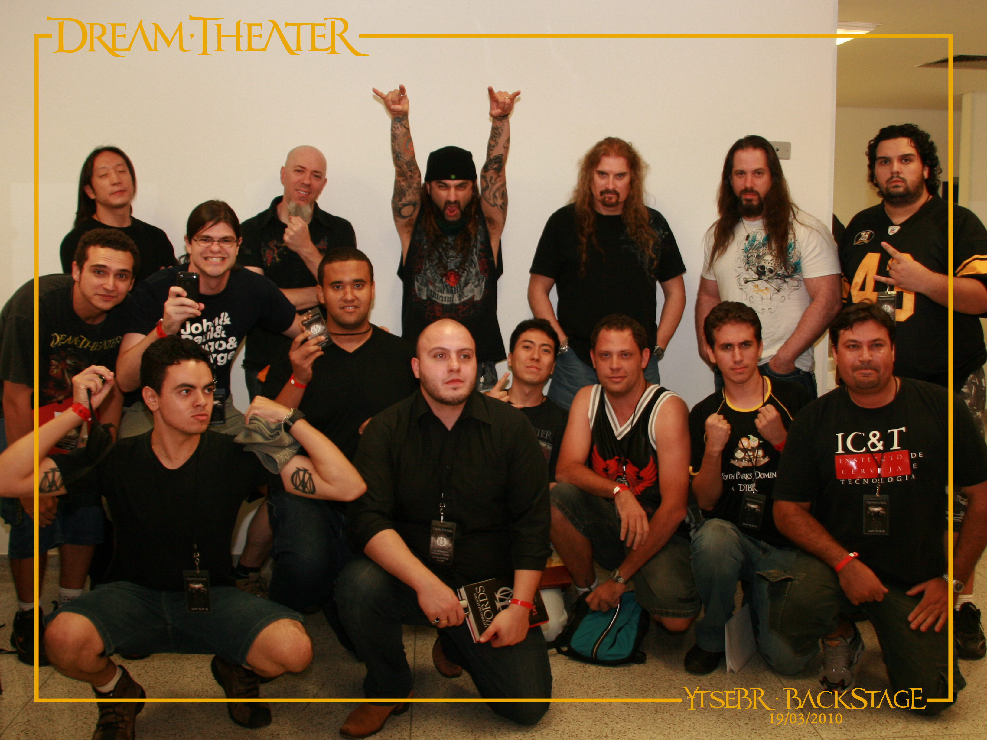 YtseBR-Backstage-SaoPaulo-Brazil-19March2010-TeamFotoOficial (5)